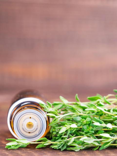 thyme essential oil Fotografía