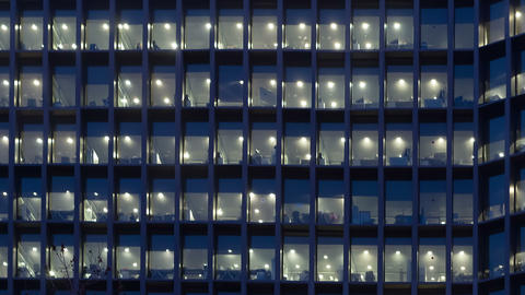 Office building at dusk ビデオ
