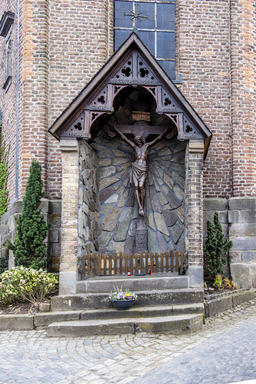 Liedberg / Germany - April 14 2018: Sculpture in front of the church Fotografía