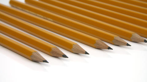 Pencil with a sliding camera move ビデオ
