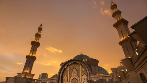 Sunset time lapse at a mosque in Kuala Lumpur Footage