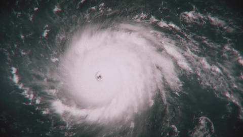 Hurricane Irma on its way to the Florida coast Footage