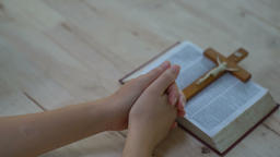 woman hands praying to god with the bible. Woman Pray for god blessing to Archivo