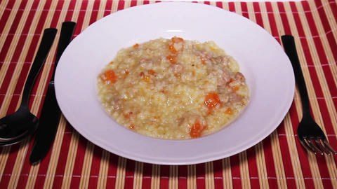 Risotto With Meat And Carrots ビデオ