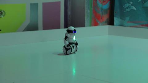 The Robot White Wheels Footage