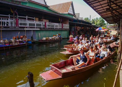 DAMNOEN SADUAK, THAILAND - May 6, 2018: Damnoen Saduak Floating フォト