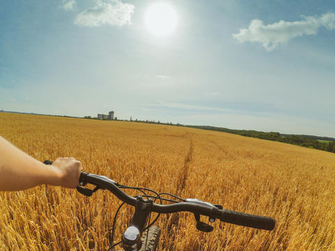 field hand bike action camera go pro Photo