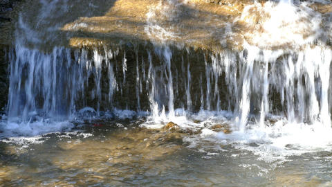 The Flow of Water in Winter 影片素材