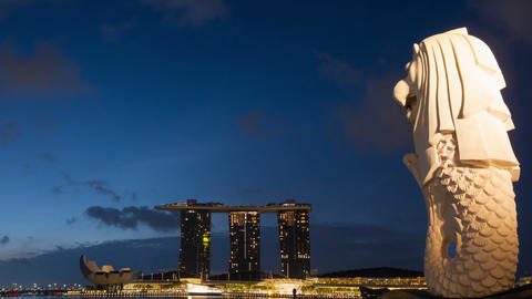 Merlion at Marina Bay Sand in Singapore city, time lapse 영상물
