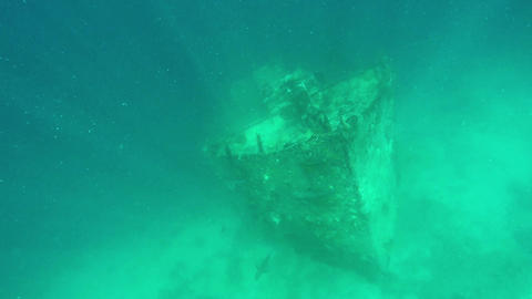 Very Old Shipwreck Underwater at the Island Of Maldives Archivo