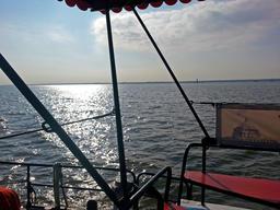 Boat kronstadt peter river building prison フォト