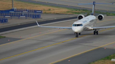 Bombardier CRJ-900 taxiing after landing 영상물