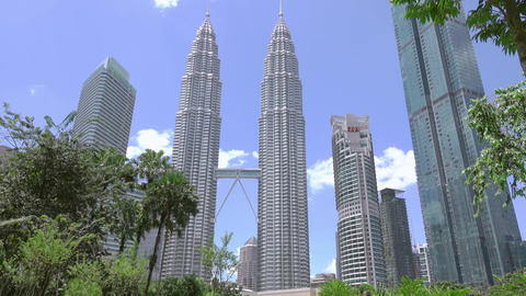 Day in the Park near Petronas Twin Towers. Fast Motion 영상물