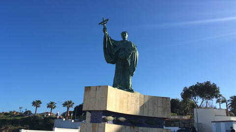 Hyperlapse on the Statue of the Portuguese saint Sao Goncalo 영상물
