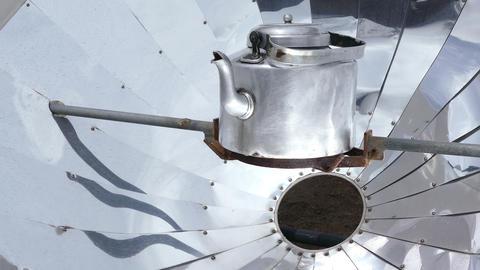Solar Heater Teapot Drop Water Nepal Mountains Himalayas 4k ビデオ