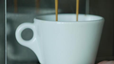 Preparing short espresso in a white cup ภาพวิดีโอ