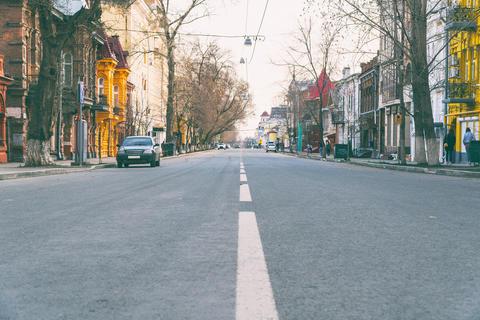 Quiet street in the city フォト