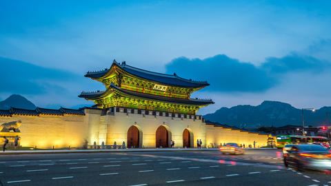 Time lapse of Gyeongbokgung palace and traffic at night in Seoul,South Live Action