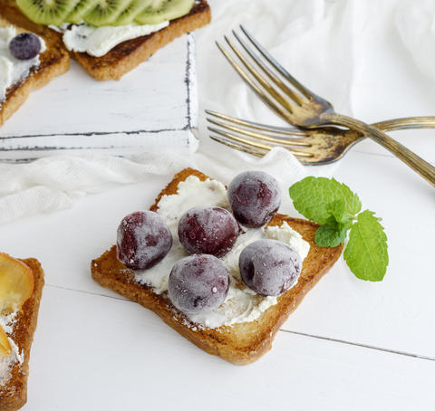 toast with mild cottage cheese and cherry berries Photo