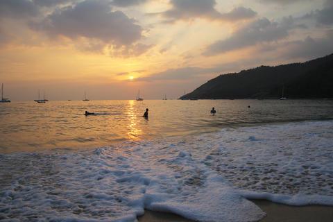 Sunset on the sea 3 Photo
