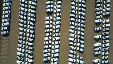 Aerial top down view of a big new car warehouse Live影片