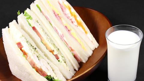サンドイッチと牛乳 Live Action
