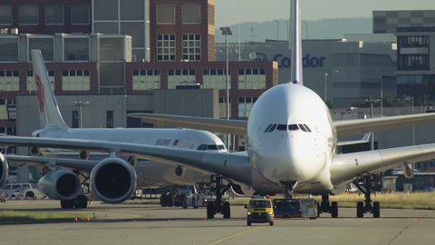 Towing of Superjumbo Airbus A380 Live Action