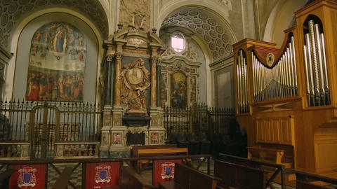 Details of interior of Cattedrale di San Gennaro in… Stock Video Footage