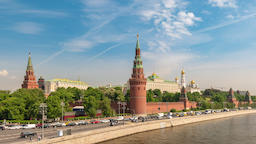Moscow city skyline timelapse at Kremlin Palace Red Square and Moscow River, ビデオ