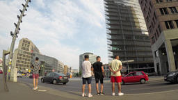 Time Lapse: Traffic And Tourists At Potsdamer Platz In Berlin, Germany ビデオ
