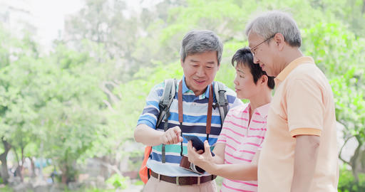 old people go travel Live影片