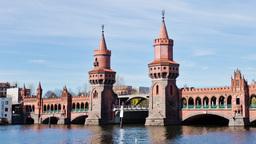 Berlin Timelapse - Oberbaum Bridge on River Spree Hyperlapse 4k Footage