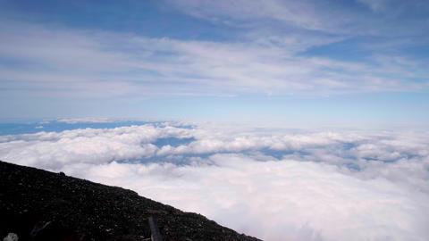 Scenery seen from the summit of Mt. Fuji. (Sea of clouds, panorama) GIF