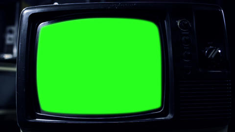 Vintage Tv With Green Screen. Aesthetics Of The 80s. Zoom Out. Night Tone ライブ動画