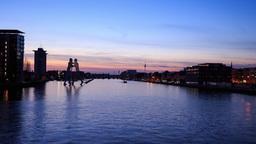 Berlin Timelapse - River Spree and Berlin Skyline at Dusk - 4k Footage