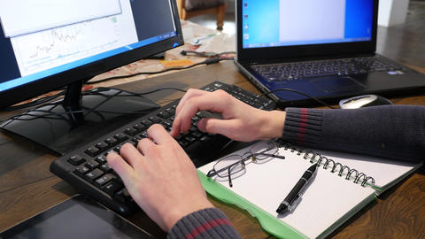 Typing At Wooden Desk With Computer Keyboard 4k 1 ライブ動画