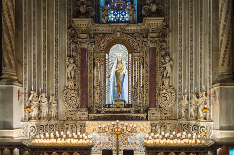 Altar of the Virgin Mary with the child Jesus in the cathedral S Photo