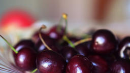 Cherry on the rotate plate Archivo