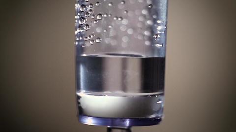 Infusion system drip chamber ビデオ