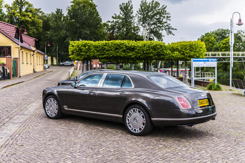 RATHENOW GERMANY AUGUST 17, 2014: Bentley Mulsanne and Continental GT during Fotografía