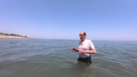 Swiming Old Man Under Water Live Action