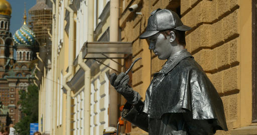 Sherlock Holmes smokes a pipe Archivo