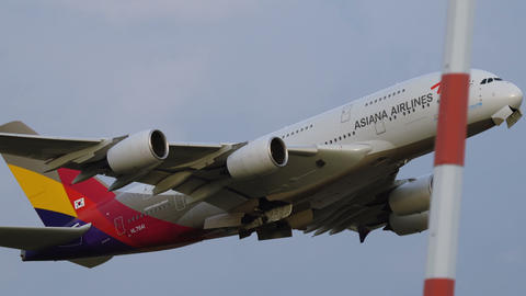 Airbus A380 of Asiana Airlines take off Footage