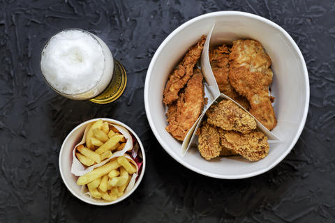 fast food, Beer, fried chicken legs, wings, nuggets, french frie フォト