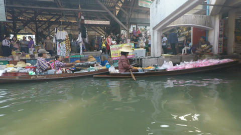damoen saduak floating market in thailand Footage