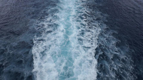 Slow motion of ferry boat waves ビデオ