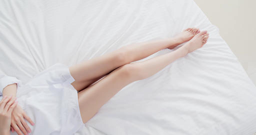 woman with her leg Live影片