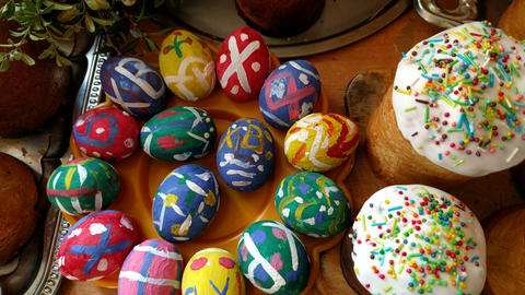 Easter cakes and painted eggs164326 GIF
