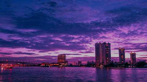 4k time lapse, atmosphere of Bangkok at Chao Phraya River at night Live Action