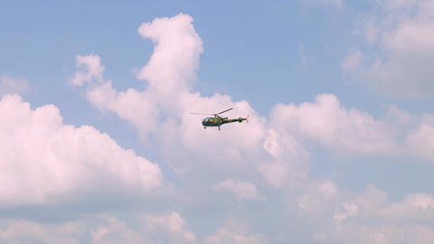 Army helicopter flying exercise ビデオ